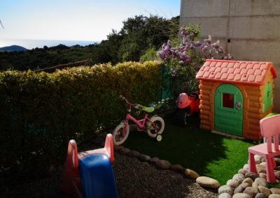 Aire de jeux villa pers