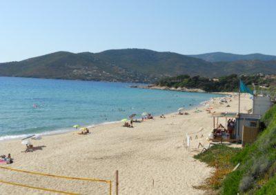 La plage de Sagone qui se trouve a 10 mn du gite sassone.