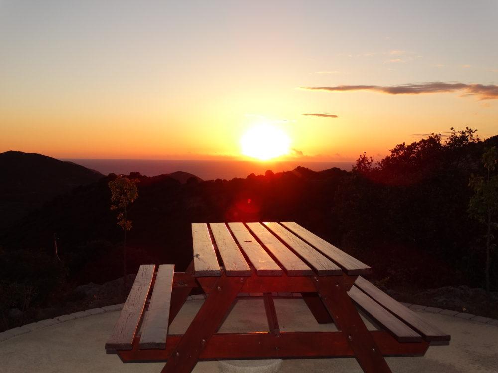 Vacances a Ajaccio en corse.Vue sur le coucher de soleil.